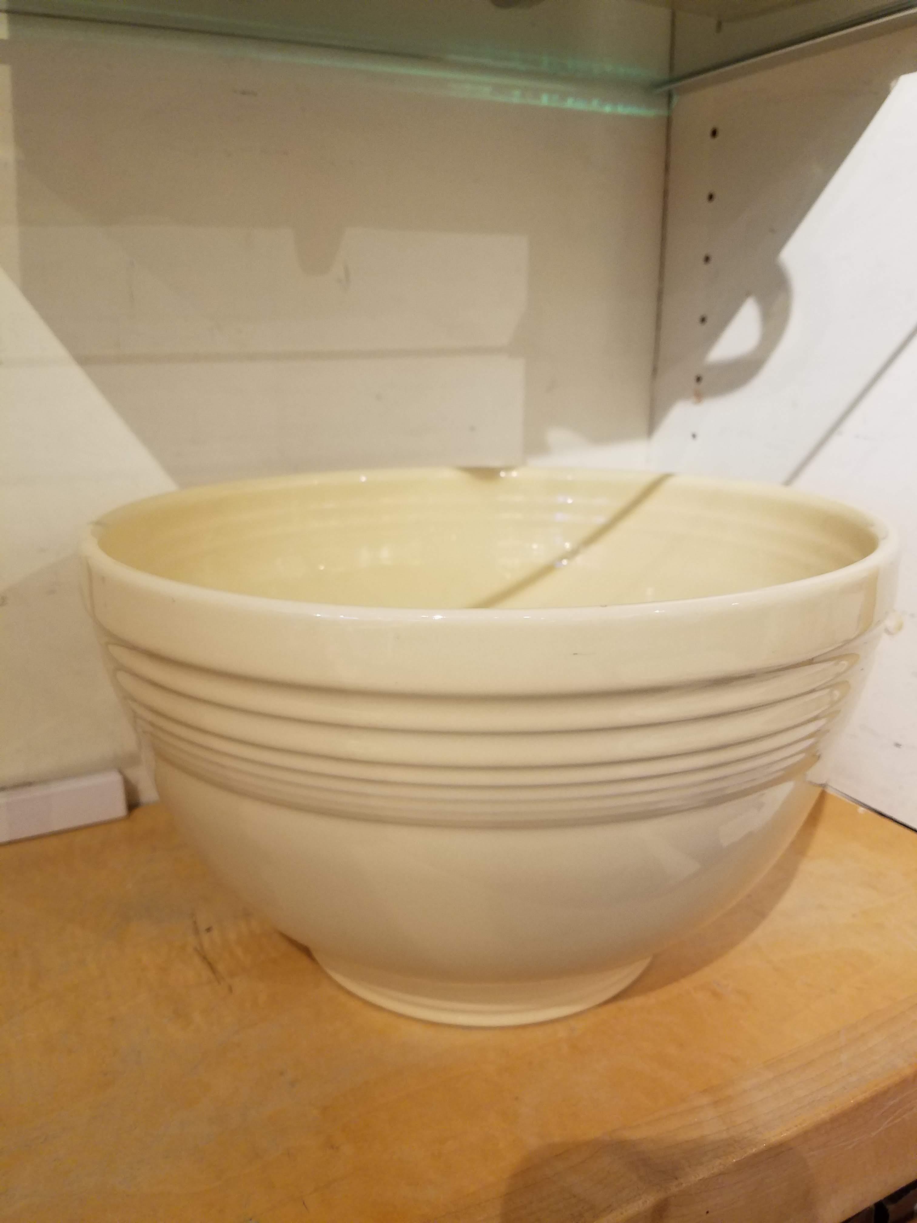 Fiestaware Large Ivory Baking Bowl - Peppercorn