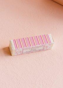 lollia-relax-petite-treat-hand-cream-box_1400x1960